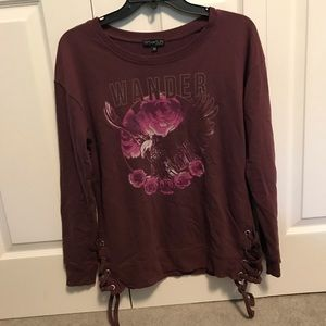 Comfortable maroon sweatshirt with lace up detail